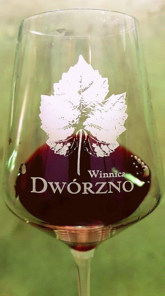 Kieliszek wina Winnica Dwórzno