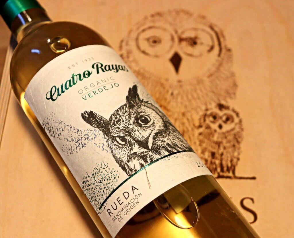 Verdejo cuarto rayas organiczne wino zRuedy. Jedno zklasycznych lekkich hiszpańskich win